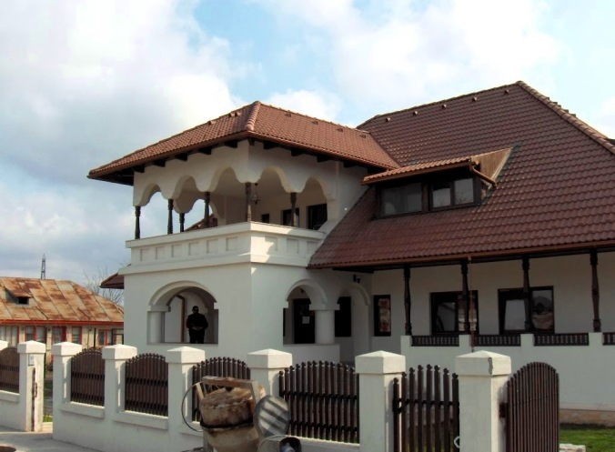 Proiect de casa cu arhitectura traditionala romaneasca arh. Liliana Chiaburu notariatul din Peris, 11 septembrie 2007 036